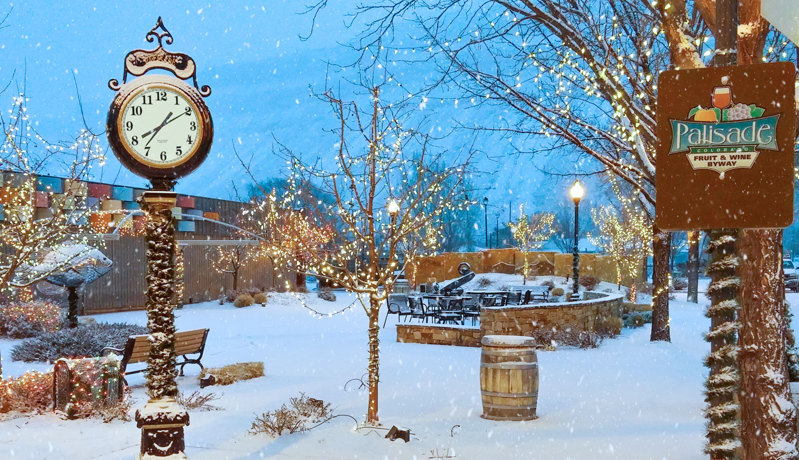 Christmas In Colorado.Holiday Shopping In Palisade Co Wine Tours And Holiday Events